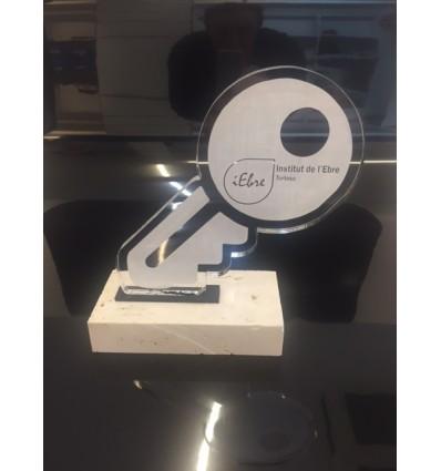 Trofeo personalizado  homenaje a una trayectoria laboral